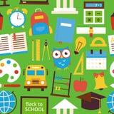Modèle sans couture plat de nouveau aux objets d'école au-dessus du vert illustration stock