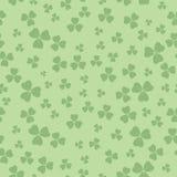 Modèle sans couture vert clair pour le jour de patricks - fond de vecteur avec l'oxalide petite oseille illustration libre de droits