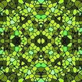 Modèle vert jaunâtre de tuile de mosaïque kaléïdoscopique sans couture Image stock