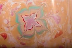 Modèles abstraits de peinture sur le fond coloré Photo stock