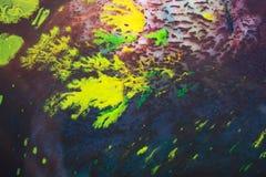 Modèles abstraits de peinture sur le fond coloré Images stock