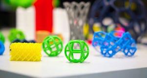 Modèles abstraits imprimés par le plan rapproché de l'imprimante 3d Image stock