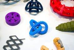 Modèles abstraits imprimés par le plan rapproché de l'imprimante 3d Photos stock