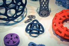 Modèles abstraits imprimés par le plan rapproché de l'imprimante 3d Photo libre de droits