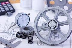 Modèles avec des instruments de mesure Image stock