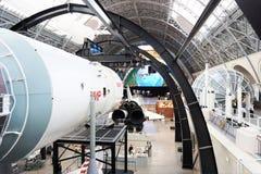 Modèles de fusées de l'espace dans le musée photos libres de droits