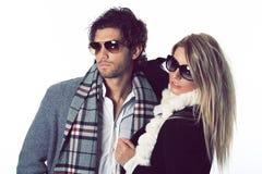 Modèles de mode avec des lunettes de soleil Images stock