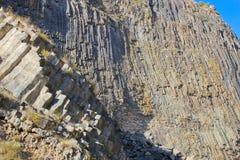 Modèles des colonnes de basalte Photographie stock libre de droits