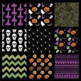 Modèles esquissés colorés de Halloween de griffonnage de vecteur illustration stock