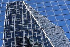 Modèles et lignes reflétant Regina Canada images libres de droits