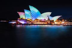 Modèles géométriques sur le toit du théatre de l'opéra à Sydney Photos libres de droits