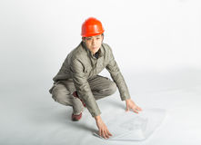 Modèles masculins de travailleur de la construction et d'esquisse Images libres de droits