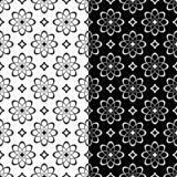Modèles sans couture floraux noirs et blancs Ensemble de milieux Photo stock