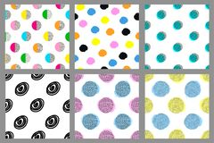 Modèles sans couture géométriques colorés Milieux lumineux réglés Images libres de droits
