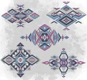 Modèles tribals d'élément sur le fond grunge illustration stock