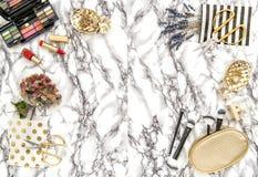 Mod akcesoria, kosmetyki, notatnik Mieszkanie nieatutowy dla kobiecej strony internetowej, blogger, ogólnospołeczni środki Zdjęcie Stock