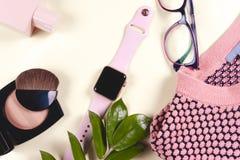 Mod kobiety odziewa set i akcesoria Waniliowi Pastelowi kolory Obraz Stock