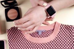 Mod kobiety odziewa set i akcesoria Waniliowi Pastelowi kolory Obrazy Royalty Free