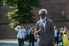 Mod ludzie przy Pitti Immagine Uomo obrazy royalty free