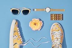 Moda Accesorios de la mujer del inconformista fijados Color en colores pastel Fotografía de archivo libre de regalías