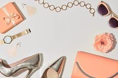 Moda Accesorios de la mujer fijados Color en colores pastel Fotos de archivo libres de regalías