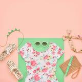 Moda Accesorios de la ropa fijados Equipo del verano Fotografía de archivo
