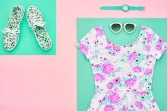 Moda Accesorios de la ropa fijados equipo mínimo Foto de archivo libre de regalías