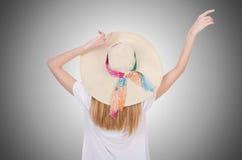 Młoda atrakcyjna kobieta przygotowywająca dla wakacje Obraz Stock