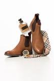 Moda de los hombres Accesorios de los hombres Zapatos de los hombres, reloj, corbata de lazo, perfume Imágenes de archivo libres de regalías