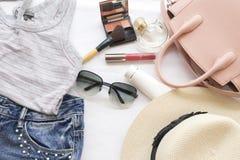 Moda del fondo de los accesorios de la mujer para el verano Fotos de archivo