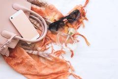 Moda del fondo de los accesorios de la mujer para el verano Fotografía de archivo libre de regalías
