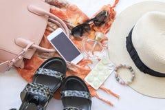 Moda del fondo de los accesorios de la mujer para el verano Foto de archivo