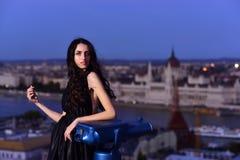 Moda i piękno biznesowa dama Dziewczyna Z splendoru Makeup Seksowna dziewczyna w eleganckiej sukni Nowoczesne życie z princess we Fotografia Stock