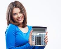 Młoda kobieta chwyta cyfrowy kalkulator Żeński uśmiechnięty wzorcowy biel Fotografia Royalty Free