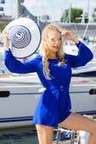 Moda model jest ubranym błękitnego kombinezon Zdjęcie Royalty Free