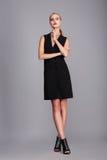 Moda model w sukni obraz stock