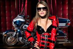Moda model z motocyklem Fotografia Stock