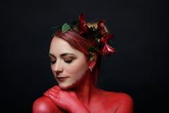 Moda modela dziewczyny portret z kolorowym uzupełniał Obraz Stock