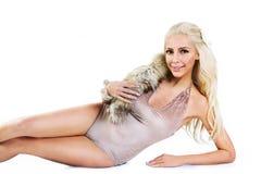 Moda modela łgarski puszek Obraz Royalty Free