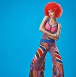 Moda modela kobieta, kolorowy splendoru przyjęcia strój Zdjęcie Royalty Free
