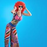 Moda modela kobieta, kolorowy splendoru przyjęcia strój Obraz Royalty Free