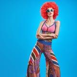 Moda modela kobieta, kolorowy splendoru przyjęcia strój Obrazy Stock
