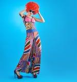 Moda modela kobieta, kolorowy splendoru strój, Makeup Obraz Royalty Free