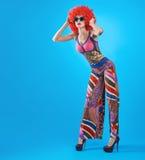 Moda modela kobieta, kolorowy splendoru strój, Makeup Zdjęcia Stock