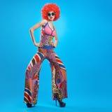 Moda modela kobieta, kolorowy splendoru strój, Makeup Fotografia Royalty Free
