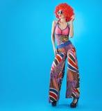 Moda modela kobieta, kolorowy splendoru strój, Makeup Fotografia Stock