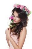 Moda modela kobieta Trzyma kwiatu Zdjęcia Stock