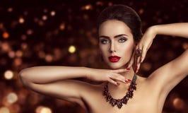 Moda modela twarzy Makeup, kobiety piękno Uzupełniał portret obrazy royalty free