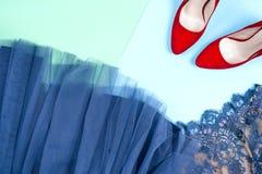 Moda Sistema de la moda de los accesorios de la ropa Gumshoes elegantes femeninos Fotografía de archivo libre de regalías