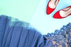 Moda Sistema de la moda de los accesorios de la ropa Gumshoes elegantes femeninos Imágenes de archivo libres de regalías